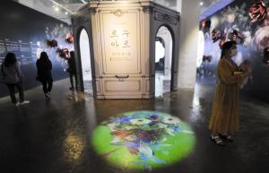 [문화가 숨쉬는 CUT]예술과 IT미디어가 결합한 가장 아름다운 전시 '르누아르:여인의 향기 展'