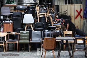[Story 포토]'코로나 19'에 폐업은 늘고, 넘쳐나는 중고품만...