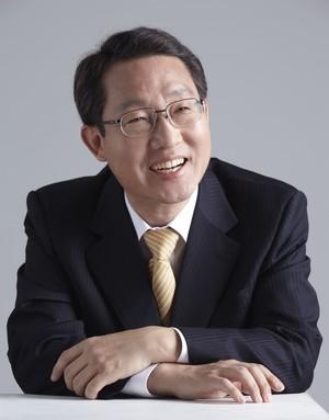 원자바오 정부 4 년차에 중국 소유의 소포가 120 % 증가했습니다.